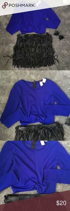 Blue long sleeve crop top! Blue long sleeve crop top with tie knot at waist !! Brand new never worn with tags !! Super cute !!size M Tops Crop Tops