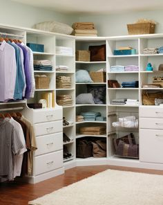 7 Deadly Sins for a Walk in Closet Design What to do about those pesky corners in a walk in closet design? How big should they be? In this article learn about this and how to avoid other common problems in custom walk in closet designs. Custom Walk In Closets, Walk In Closet Design, Wardrobe Design Bedroom, Master Bedroom Closet, Closet Designs, Bathroom Closet, Diy Bedroom, Master Bathroom, Open Closets
