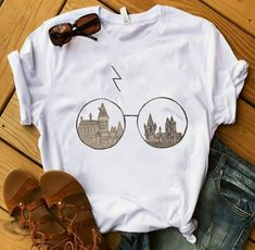 Hogwarts Glasses Harry Potter T-Shirt – T-Shirts & Sweaters Harry Potter Shirts, Mode Harry Potter, Harry Potter Outfits, Harry Potter Fashion, Harry Potter Clothing, Harry Potter Style, Harry Potter Glasses, Harry Potter Dress, Harry Potter Womens Clothes