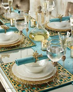 #turquoise #summer_table #setting #art_de_la_table #viapinterest Christmas Party Decorations, Christmas Parties, Beach Christmas, Beautiful Table Settings, Elegant Table Settings, Decoration Table, Dinner Table, Wedding Ideas, Wedding Table