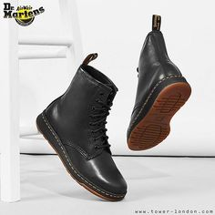 Just landed, Dr. Martens new lightweight Newton boots. Light as a feather, heavy…