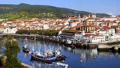 Puerto de Bermeo Euskadi Si quereis ver el típico pueblo vasco con pesqueros y astilleros, este es vuestro pueblo, se ve rapido ideal para parada con la ruta de pueblos de costa. Precioso.  TIPO ACTIVIDAD: excursión / cultural