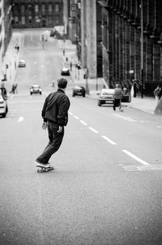 Longboard | down hill | street skate | speed run | traffic | oncoming traffic | cruising