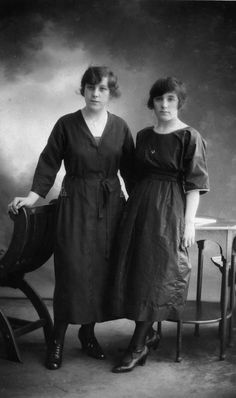What We Wore 100 Years Ago: Fashion in 1914: Sisters Wearing Calf-Length Dresses