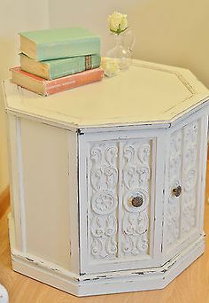 Vintage Shabby/Beach/Cottage White End Table/Night Stand