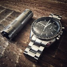 Of course, one of the most popular luxury watches - the Omega Speedmaster Moonwatch Professional. Best Watches For Men, Cool Watches, Men's Watches, Dream Watches, Luxury Watches, Omega Speedmaster Moonwatch Professional, Mens Watch Brands, Moon Watch, Mens Gadgets
