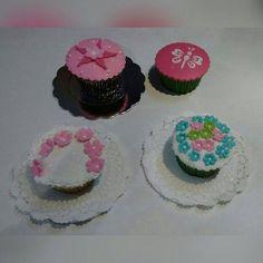 ¡Elegantes cupcakes para mesas de dulces en fiestas especiales como matrimonios y quince años!.. ¡Domicilios sin costo en Bogotá!.. Pedidos, contacto, información al celular/whatssap: 3013588405.