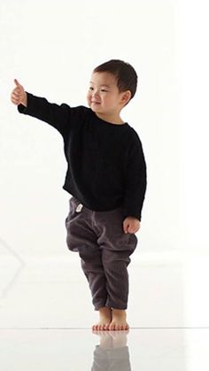 Rise your hand Triplet Babies, Superman Kids, Man Se, Song Daehan, Song Triplets, Cute Songs, Lil Boy, Baby Alive, Cute Faces