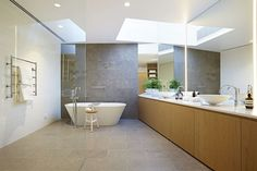 If you have a small bathroom in your home, don't be confuse to change to make it look larger. Not only small bathroom, but also the largest bathrooms have their problems and design flaws. Bathroom Design Layout, Modern Bathroom Design, Diy Bathroom Decor, Small Bathroom, Latest Bathroom Designs, Light And Space, Bathroom Wallpaper, Bathroom Renovations, House Design