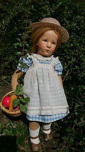 Eine-fruehe-Kaethe-Kruse-Puppe-Stoffkopf-im-original-Zustand