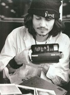 Johnny Depp with a polaroid.it couldn& get any better for the photographer that has had a lifelong crush on Johnny Depp. Johnny Depp, Here's Johnny, Eddie Vedder, Benny And Joon, Grunge Trends, Beautiful Men, Beautiful People, Gorgeous Gorgeous, Beautiful Person