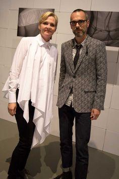 Desiree met (Viktor zonder Rolf) bij de expositie The future of Fashion is now in Rotterdam | trendbubbles.nl