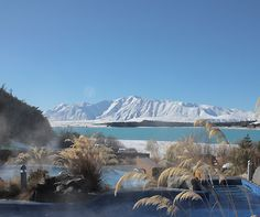 Which is feed from mt cook national park giving it that magnificent turquoise colour. mt cook, also known as aoraki is new zealand highest mountain Paris Travel, Japan Travel, Travel Usa, New Zealand Winter, New Zealand Lakes, Romantic Destinations, Travel Destinations, Lake Tekapo, Packing List For Travel