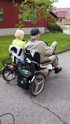 Side-by-side -pyörä koeajossa Rosenkullassa Kuva: Minna Mannonen