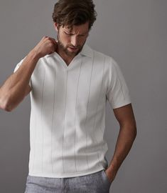At REISS you will find the best mens fashion clothing. Polo Shirt Outfits, Mens Polo T Shirts, Casual T Shirts, Men Casual, Mens Vintage Shirts, Reiss, Dad Outfit, Mens Clothing Styles, Unisex
