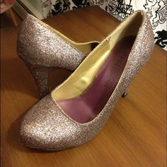 "Madden Girl glitter pumps Unworn colorful glitter pumps with 3.75"" heel Steve Madden Shoes Heels"