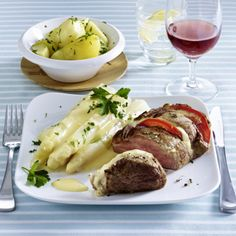 Filet Caprese zu Spargel mit Hollandaise Rezept | LECKER