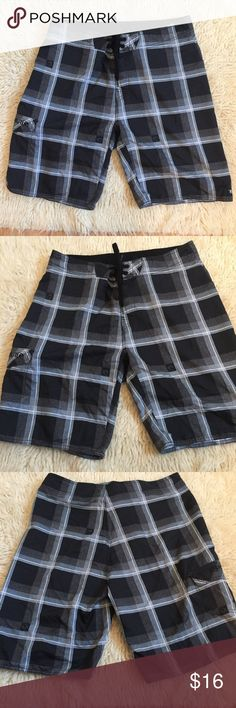 "Men's RipCurl swim trunks size 34 Men's RipCurl swim trunks. Good condition size 34 "" fetch board short"". 100% polyester. Waist: 17.5 (35) inches hip to bottom: 22.5 inches crotch to bottom: 10 inches. Thanks for looking Rip Curl Swim Board Shorts"