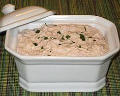 Thunfisch-Rillettes in St. Moret Thunfisch-Rillettes in St. Healthy Tuna Recipes, Tuna Steak Recipes, Canned Tuna Recipes, Crockpot Recipes, Cheap Meals, Easy Meals, Cheap Recipes, Tapas, Mousse