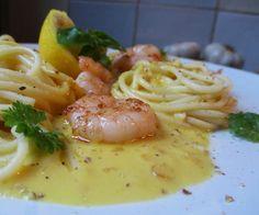 Pasta met Gambas en Romige Saffraansaus Spaghetti, Pasta Recipes, Good Food, Ethnic Recipes, Fine Dining, Healthy Food, Noodle, Yummy Food