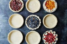 9 easy ways to make fancy pie edges.