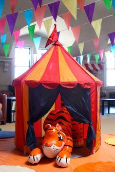 Bicho inflável no Circo