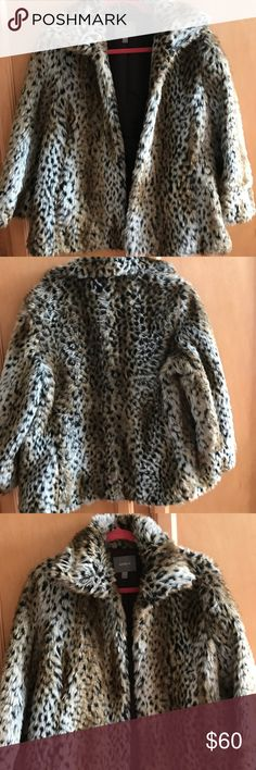 Faux fur jacket Faux fur, super soft and stylish leopard jacket! Oversized with pockets. Worn once. Kenna-T Jackets & Coats