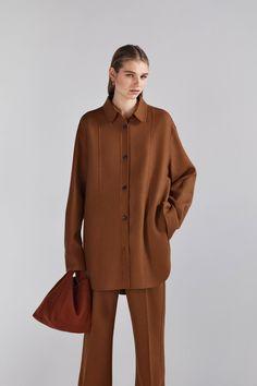 Joseph Pre-Fall 2020 Fashion Show - Vogue 2020 Fashion Trends, Fashion 2020, Fashion Show, Fashion Bella, Style Fashion, Latest Fashion, High Fashion, Fashion Outfits, Tattoo Arm Frau