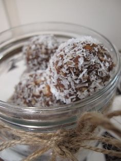 I Quit Sugar have done it again and created a delicious Bliss Balls recipe - without the fructose.