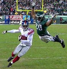 Un saut digne d'un trampoline en football américain.