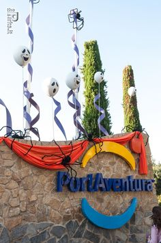 PortAventura Park Roller Coasters, Let's Have Fun, Countryside, Parks, Trips, Barcelona, Album, Holidays, Christmas Ornaments