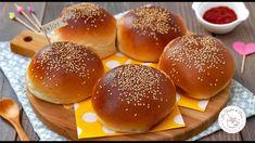 Burger buns, i panini per hamburger Bun Burger, Burger Bread, Bao Buns, Cheesecake Brownies, Biscotti, Cheddar, Italian Recipes, Food, Pane Pizza