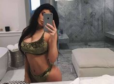 Image about body in Kendall and Kylie Jenner by Judiith Kylie Jenner Bikini, Kendall E Kylie Jenner, Kris Jenner, Kourtney Kardashian, Kardashian Jenner, Le Style Du Jenner, Kylie Jenner Style, Football 2018, Estilo Kylie Jenner