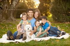 Family of 6 Photo Poses | cute family pose with dog included | Family Poses