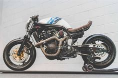 Best Cafe Racer Motorcycles さんはInstagramを利用しています:「Suzuki Bandit 1200 by @madmakscustom #lordofwheel #builtnobought #motorcycle #bikers #retroride #love #vintage #vintagemotorcycle…」