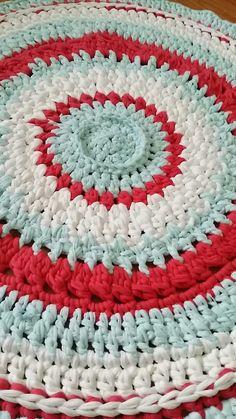 #trapilo #spaghettiyarn crochet rug