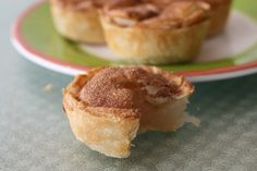 Baby Apple Pies! How cute is this :) Tiny little baby pies!