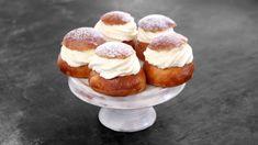 Semlor - Maškrtnica Sweet Desserts, Doughnut, Cheesecake, Muffin, Sweets, Breakfast, Recipes, Food, Cakes