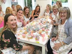 Hannah's Afternoon Tea Hen Cookie Girl Cake Baking & Decorating Courses in London Cake Making, Fun Events, How To Make Cake, No Bake Cake, Afternoon Tea, More Fun, London, Bride, Party