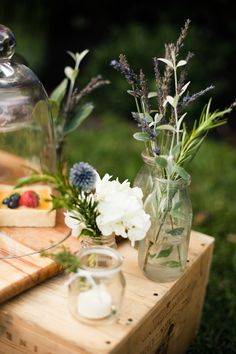 Add some herbs to your flowers... it adds a little springtime to the arrangement.  ~around the world with bash, please: provencal picnic | Design*Sponge