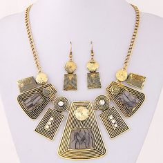 Fashion Necklace with matching earings Ksh 1500