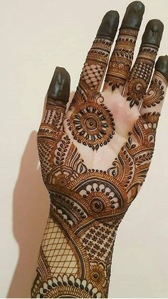 Apply these best Party Mehndi design that helps in bringing out your beauty. Here are Some Trendy and stylish Party Mehndi Designs. Round Mehndi Design, Mehndi Designs Book, Full Hand Mehndi Designs, Legs Mehndi Design, Mehndi Designs For Girls, Indian Mehndi Designs, Mehndi Designs For Beginners, Mehndi Designs 2018, Stylish Mehndi Designs