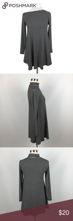"""Abercrombie & Fitch Turtleneck Long Sleeve Dress Abercrombie & Fitch Womens Sz XS Striped Turtleneck Long Sleeve Mini Shift Dress A&FXS-32918-(1)-X-A In great condition, no holes, rips or stains. All measurements are approximate  Shoulder to bottom hem: 33""""  Pit to pit: 17""""  Inseam of Sleeves: 18"""" Abercrombie & Fitch Dresses Long Sleeve"""