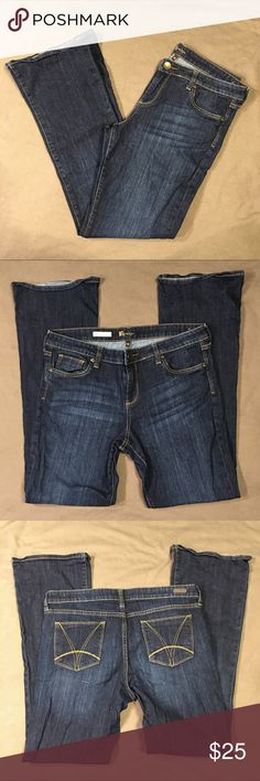 "Kut from the Kloth Farrah Baby Boot Dark wash 12 Excellent condition. No flaws noted.   Measurements are approximate with the garment laid flat.  Waist 17.5"" Rise 9.5"" Inseam 32"" Kut from the Kloth Jeans Boot Cut"