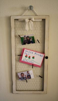 Chicken Wire Memo Board using old window frame.  Tutorial.