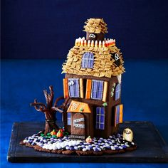 This spooky cookie house makes a great project for ghouls and goblins of all ages!