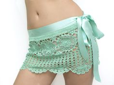 Katrinshine: New crochet skirt. This would look really cute with a bathing suit :].