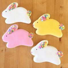 Royal icing Bunny cookies - These Bunny design vanilla sugar Cookies are covered with royal icing and perfect treat not only fo - Iced Cookies, Easter Cookies, Royal Icing Cookies, Easter Treats, Cupcake Cookies, Sugar Cookies, Christmas Cookies, Cookie Frosting, Cookie Favors