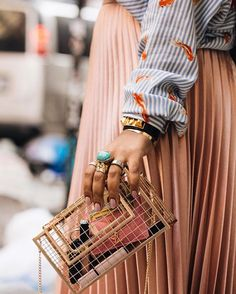 """265 Likes, 5 Comments - Shaniqua J. (@simplicityxstyle) on Instagram: """"My @klutch.me caged purse satisfying my mini bag needs ... smaller bags are in fact taking over…"""""""