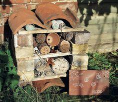 Make: Bug hotel (The Simple Things magazine) Image:Loupe Images/Emma Mitchell